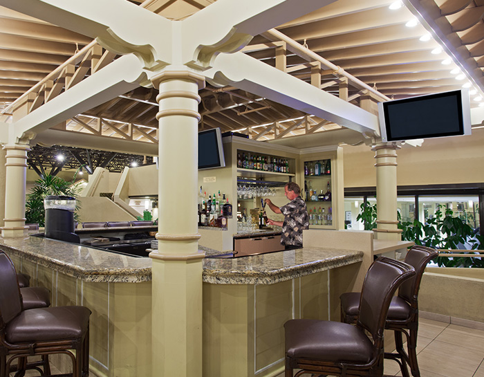 Rain Forest Lounge in Crowne Plaza Jacksonville Airport Hotel