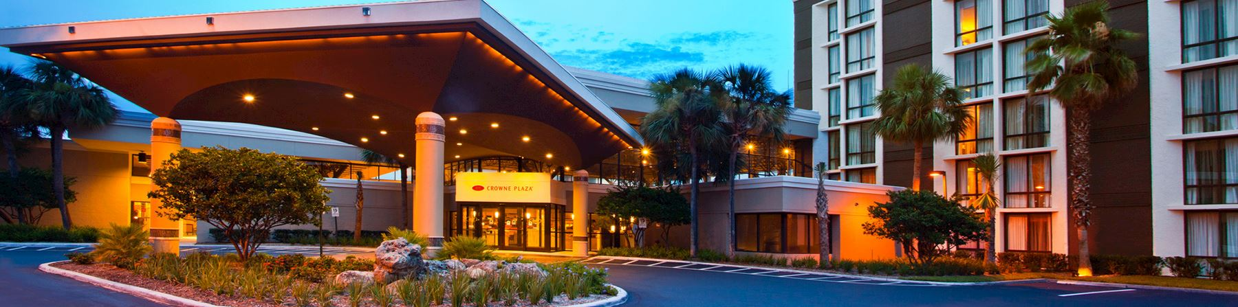 Location of Crowne Plaza Jacksonville Airport Hotel