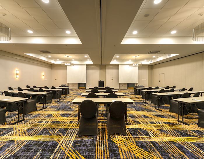 Places To Gather at Crowne Plaza Jacksonville Airport Hotel