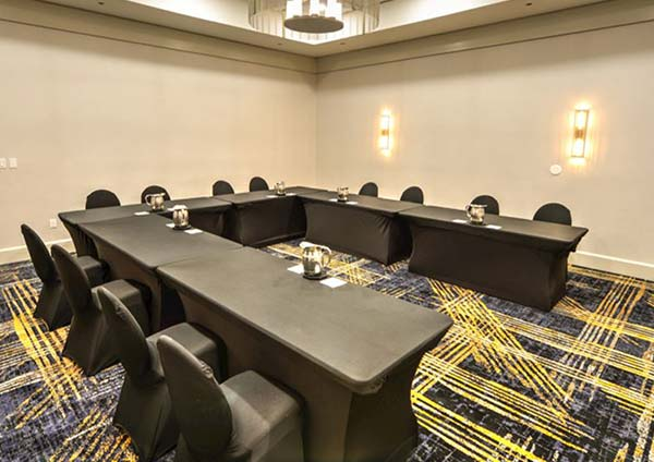 Crowne Plaza Jacksonville Airport Hotel - Capital Rooms
