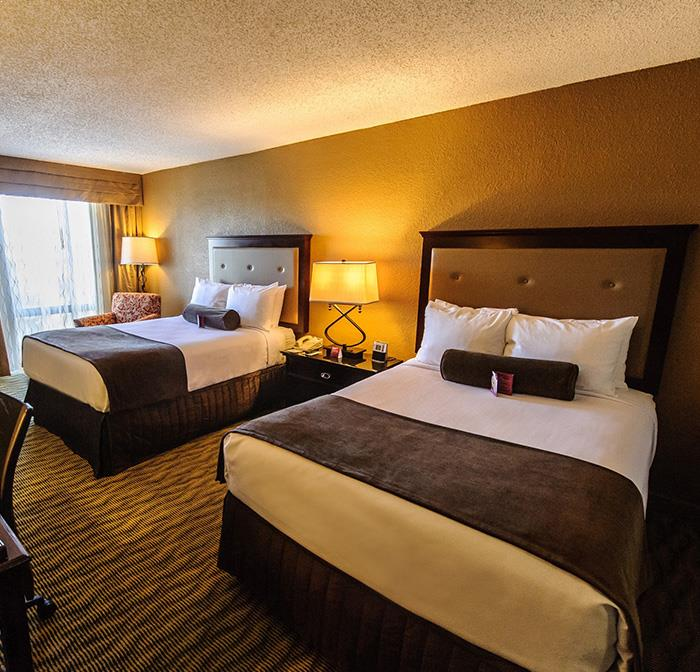 2 Double Beds Guest Room in Crowne Plaza Jacksonville Airport Hotel