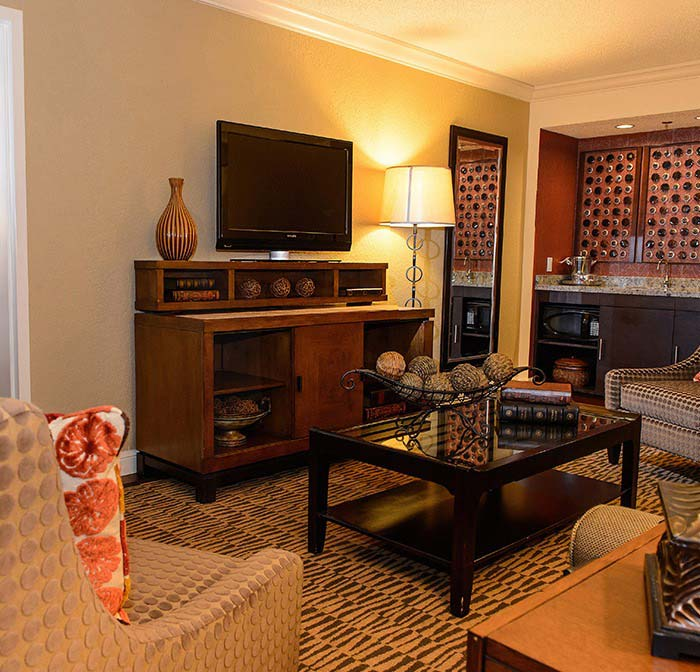 Crowne Plaza Jacksonville Airport Hotel, Florida - King Suite